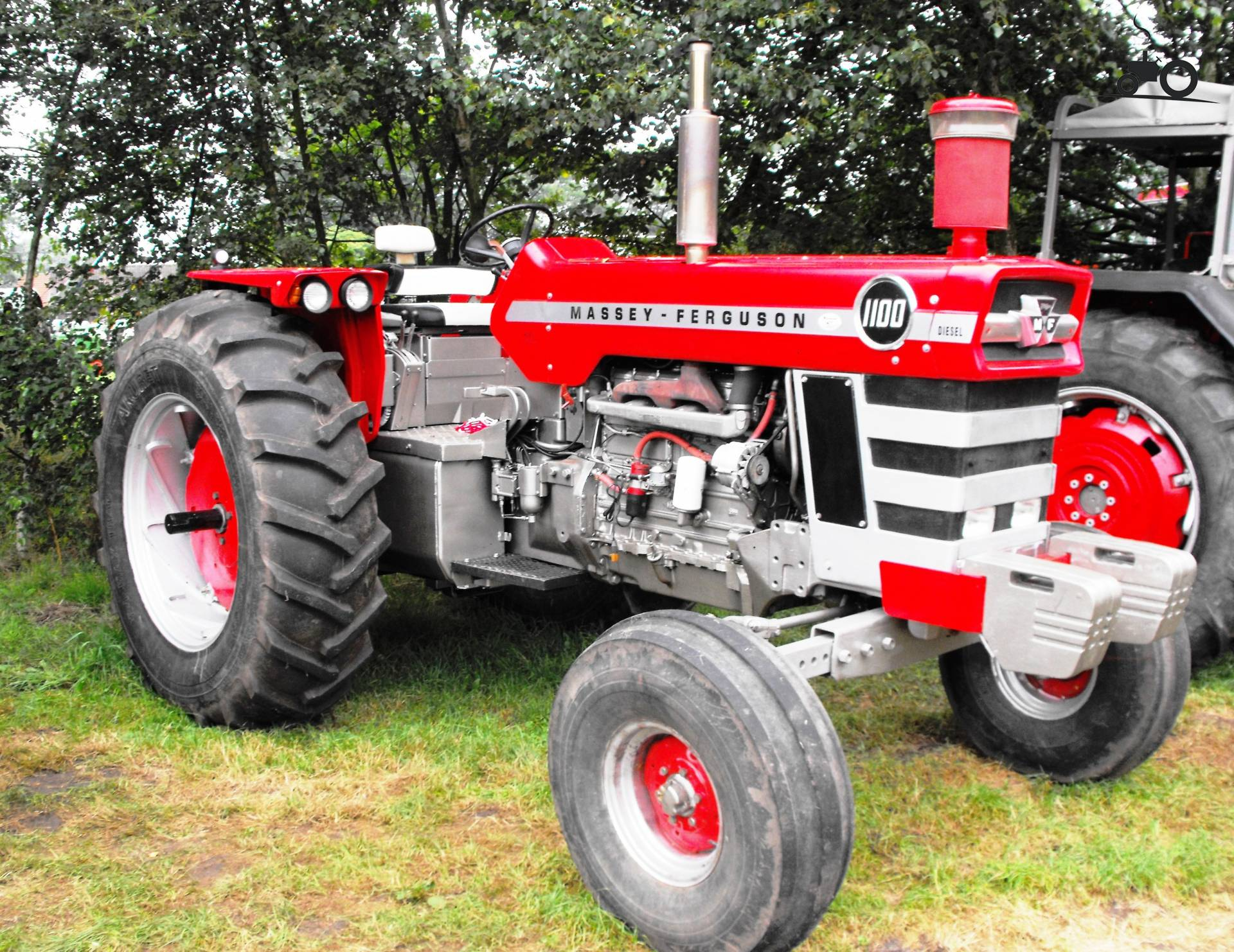 Massey Ferguson 1100 : Massey ferguson wheatland tractor bing images