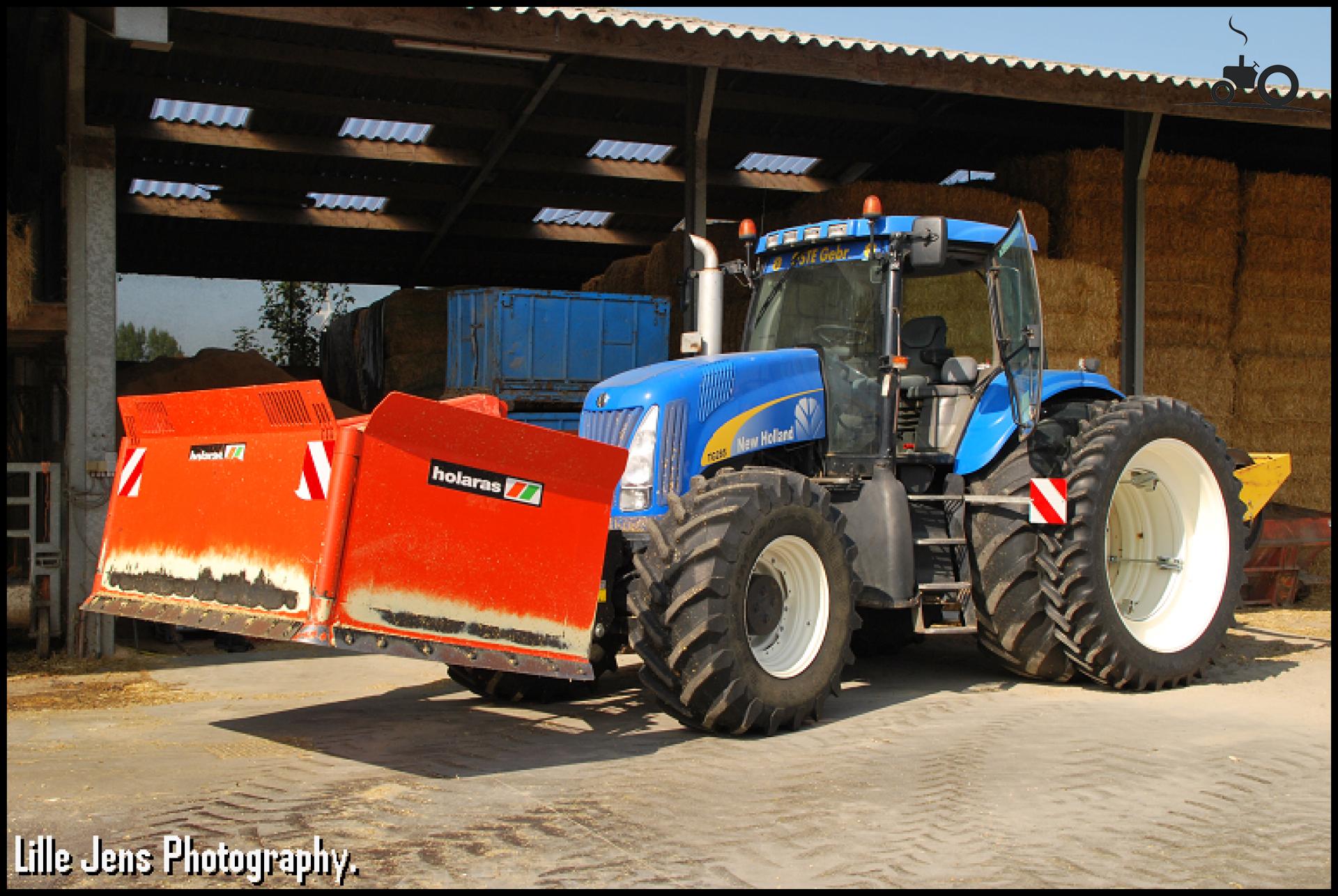 New Holland TG 285