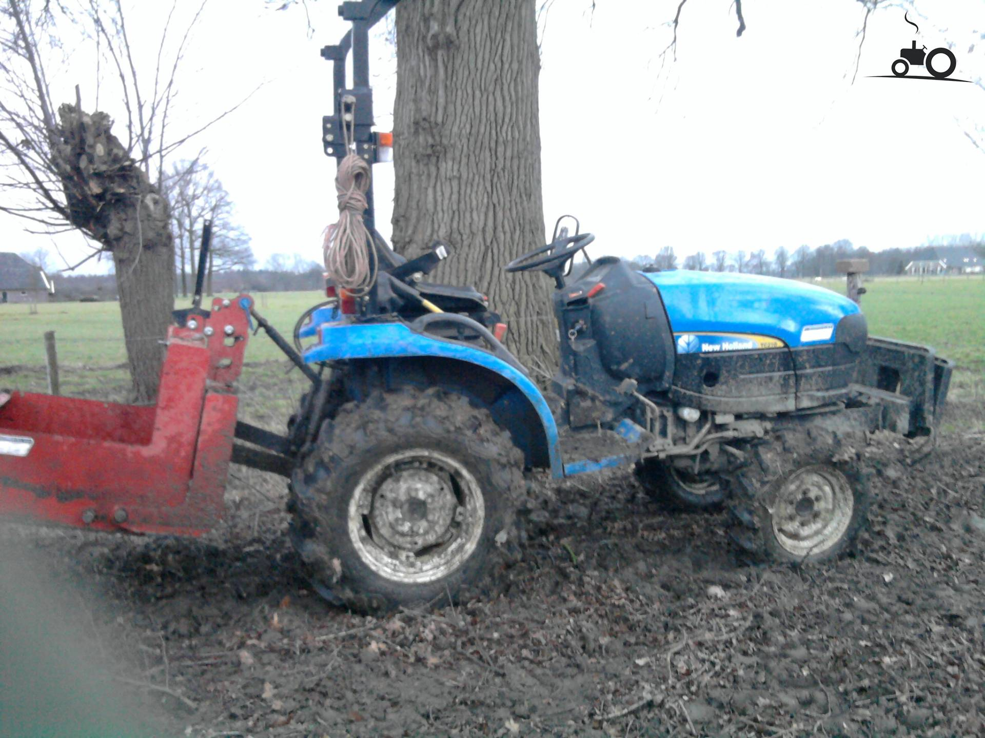New Holland TC21D