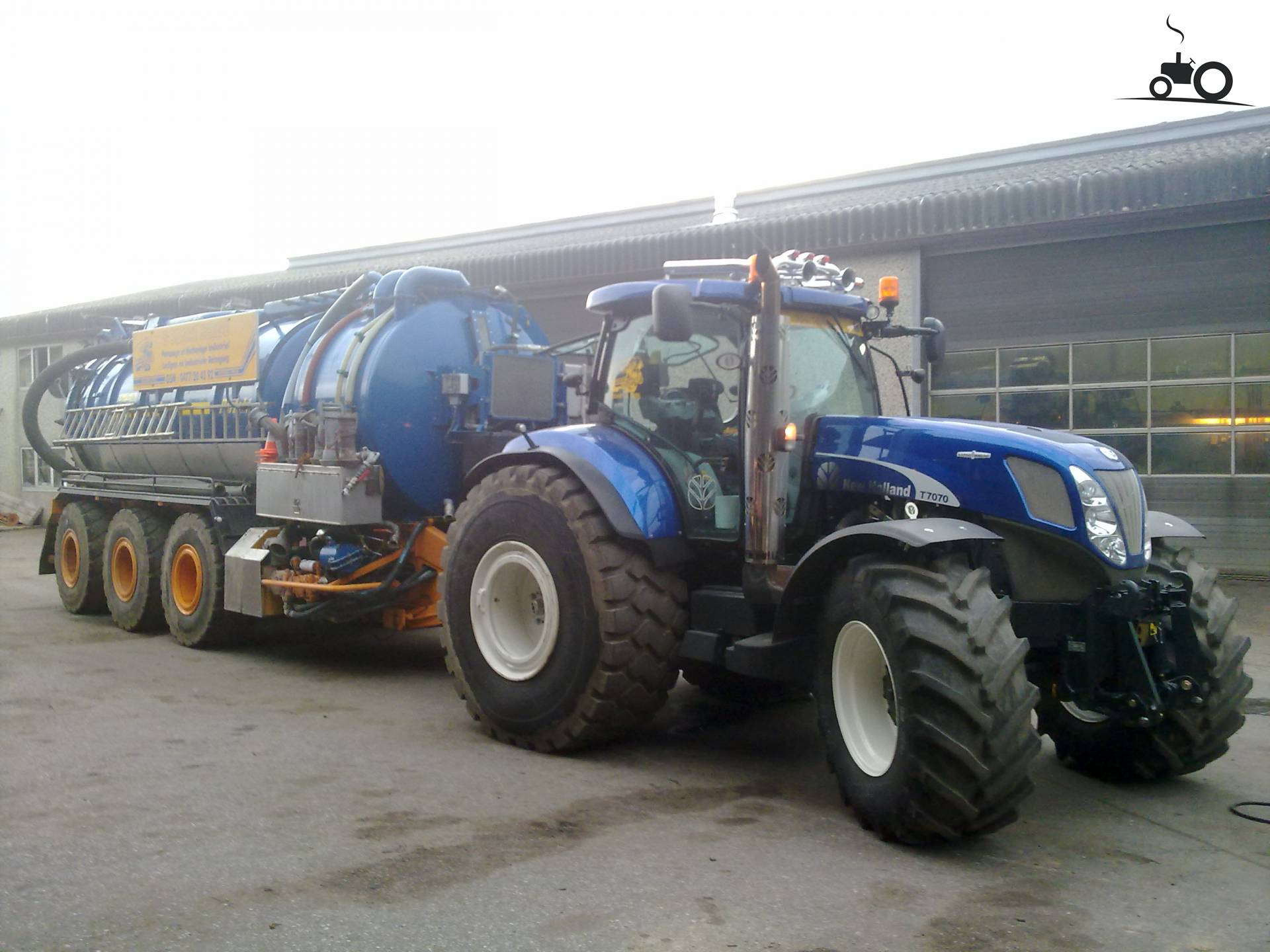 T New Holland