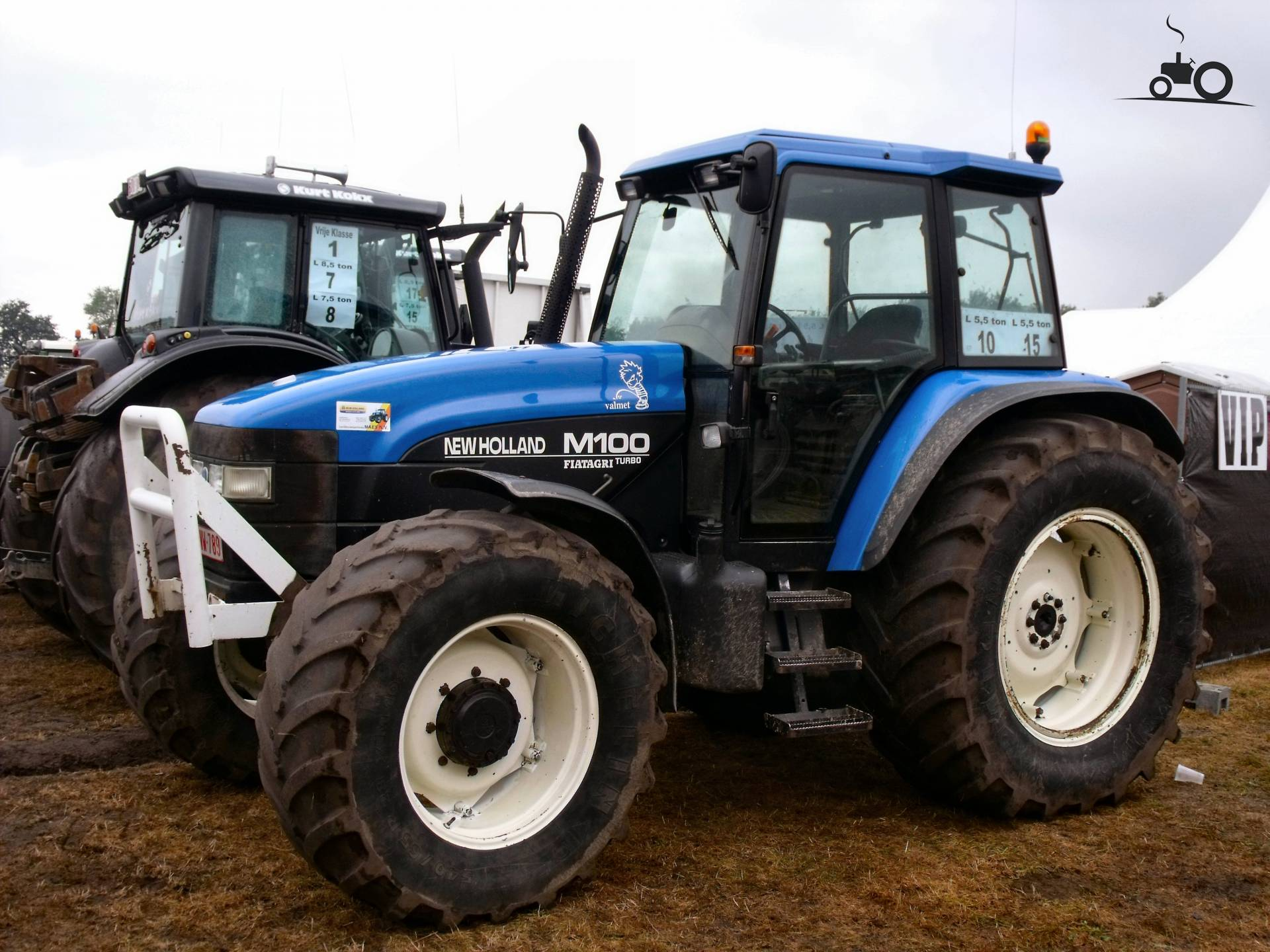 528127-m-100-new-holland.jpg