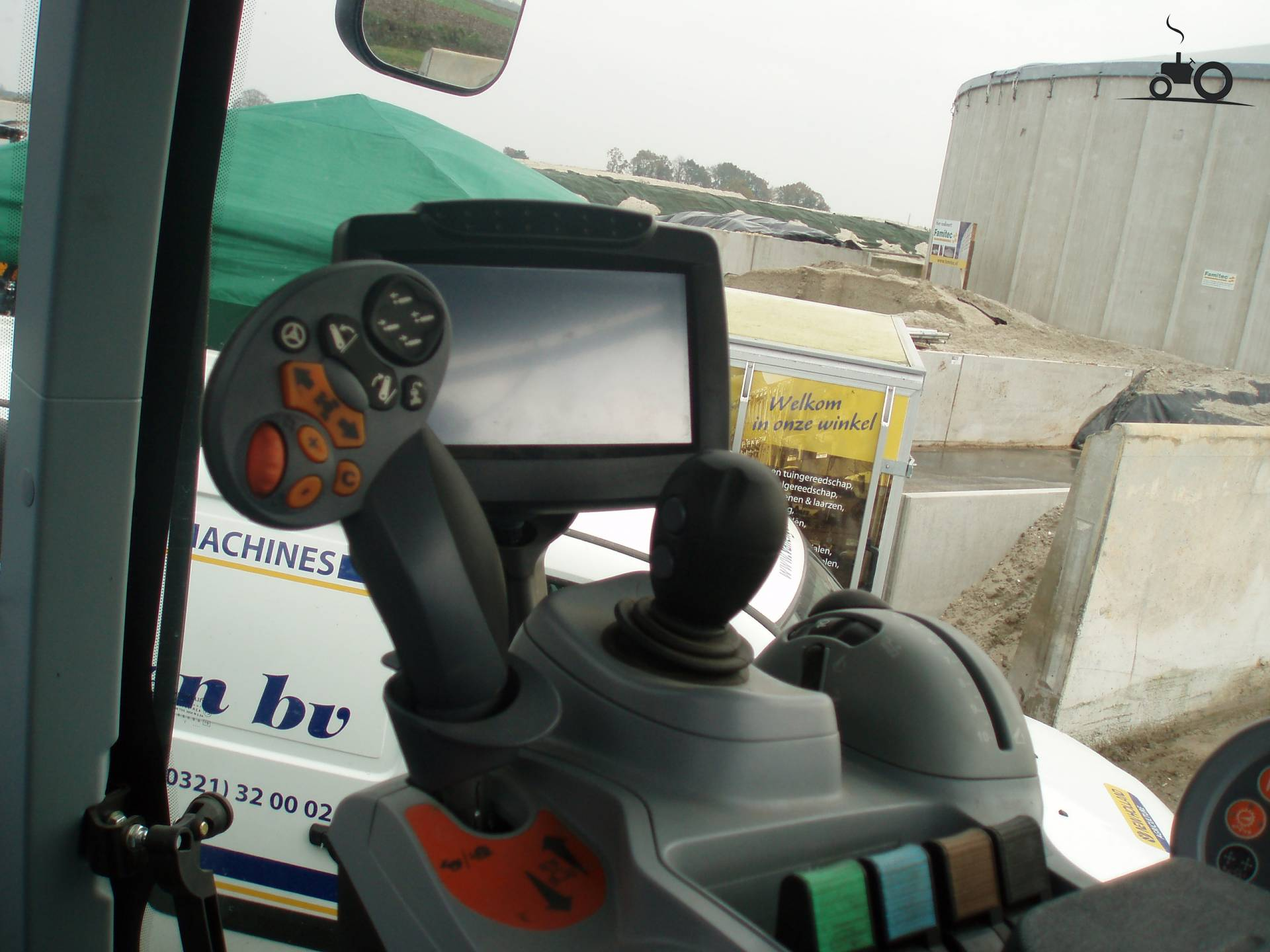 New holland interieur foto 39 s pagina 12 for Interieur foto s