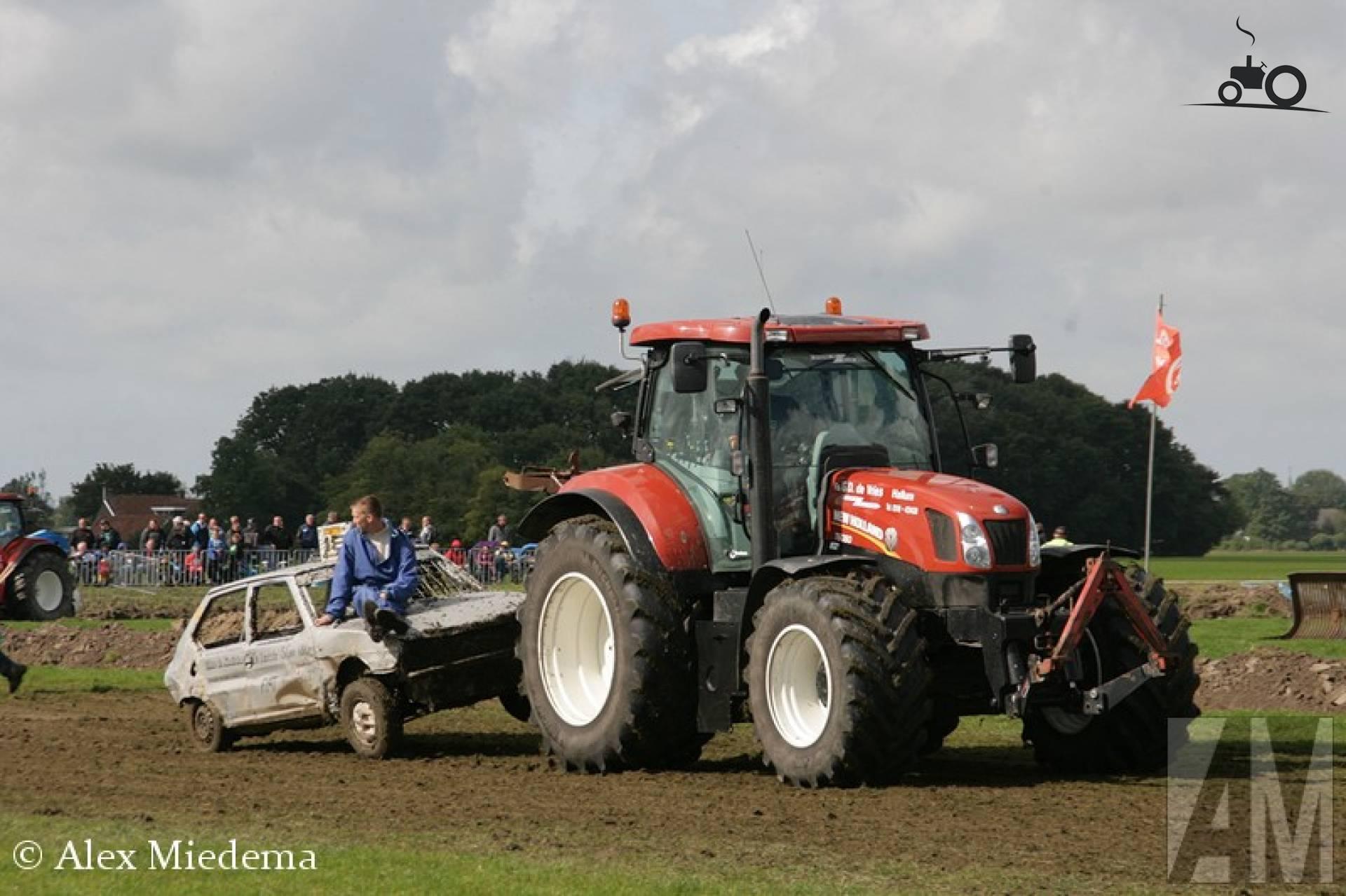 868222-t-6080-new-holland.jpg