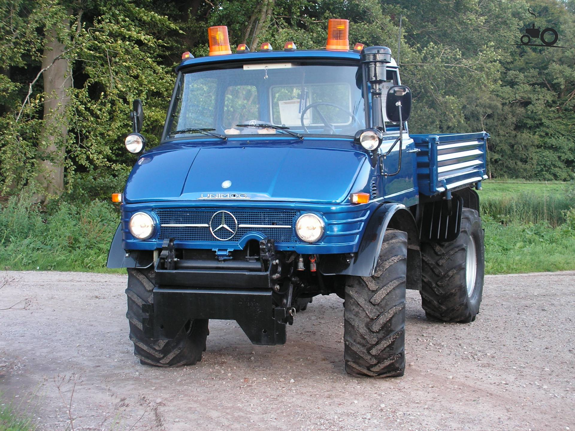 unimog 406 mercedes unimog 406 doppelkabine 1975. Black Bedroom Furniture Sets. Home Design Ideas