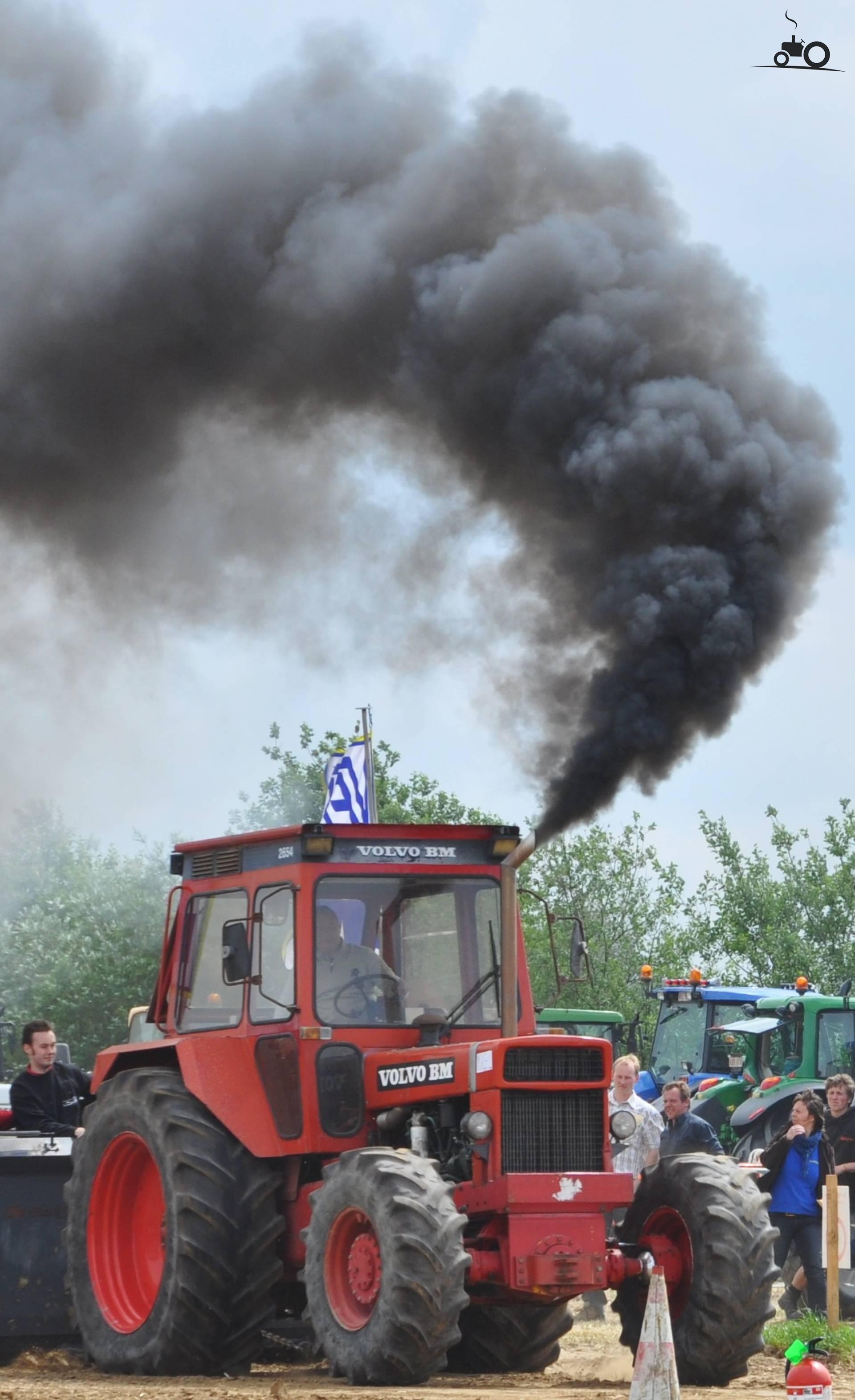 moteur fumé noir