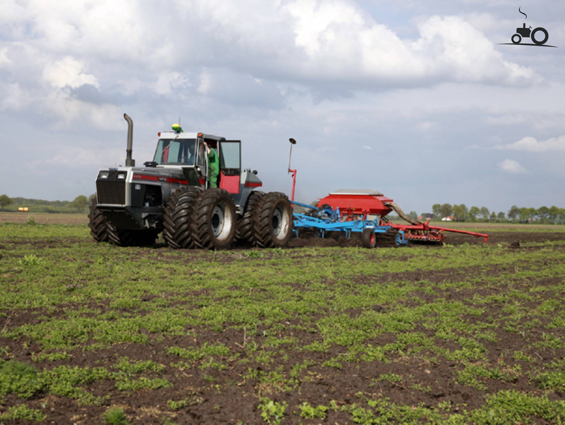 White 4 270 Tractor : Foto white field boss