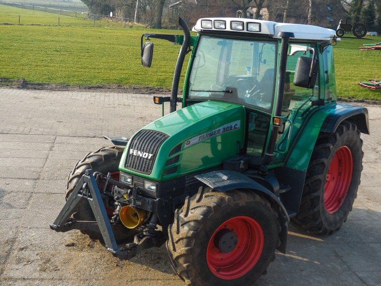 https://thumbs.tractorfan.nl/large/f/fendt/897579-309-c-fendt.jpg