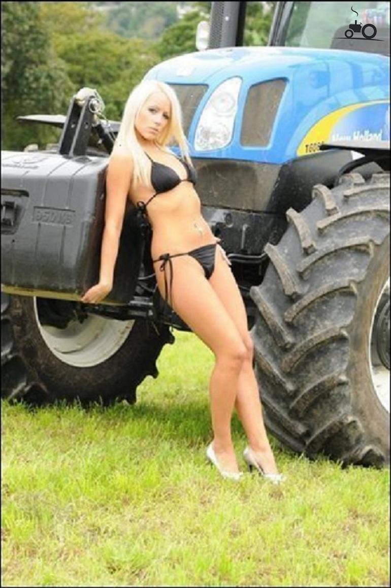 Секс в тракторе видео это
