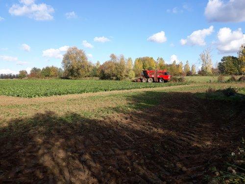 Foto van een Agrifac Big Six(nieuw moddel). Geplaatst door johndeereke8345 op 03-11-2018 om 12:38:48, op TractorFan.nl - de nummer 1 tractor foto website.