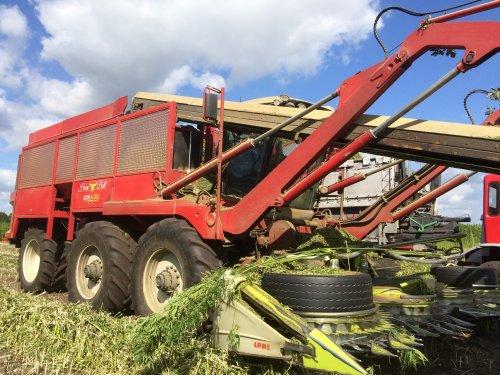 Foto van een Agrifac Onbekend. Geplaatst door thea-meijer0 op 15-03-2019 om 19:20:02, op TractorFan.nl - de nummer 1 tractor foto website.