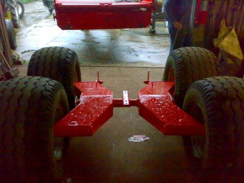 Agromet Meststrooier van Valtra-Fordpower