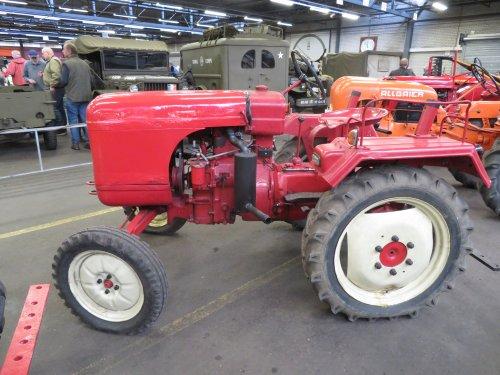 Foto van een Allgaier Onbekend. Geplaatst door Renaultgek op 28-11-2019 om 01:08:12, op TractorFan.nl - de nummer 1 tractor foto website.