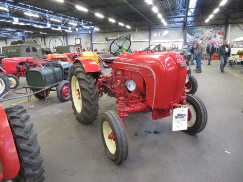 Foto van een Allgaier A122. Geplaatst door Renaultgek op 28-11-2019 om 01:08:17, op TractorFan.nl - de nummer 1 tractor foto website.