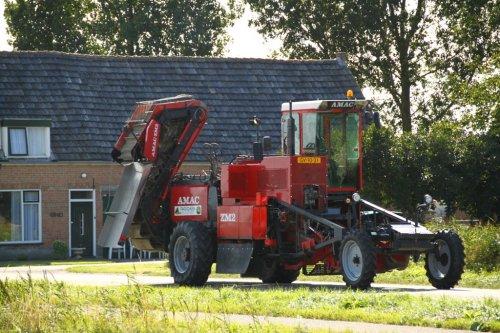 Foto van een Amac ZM2, bezig met poseren.. Geplaatst door alfredo op 14-08-2014 om 09:53:24, op TractorFan.nl - de nummer 1 tractor foto website.