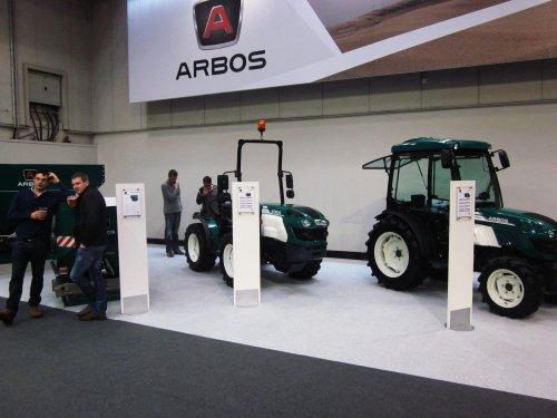 Foto van een Arbos 5100 4100 E. Geplaatst door jordi 1455 op 19-01-2018 om 22:46:46, op TractorFan.nl - de nummer 1 tractor foto website.
