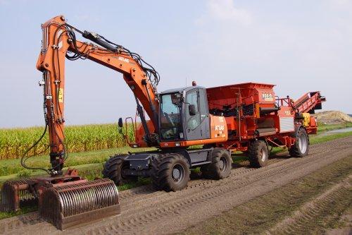 Foto van een Atlas 160W. Geplaatst door jans-eising op 09-09-2018 om 19:45:41, op TractorFan.nl - de nummer 1 tractor foto website.