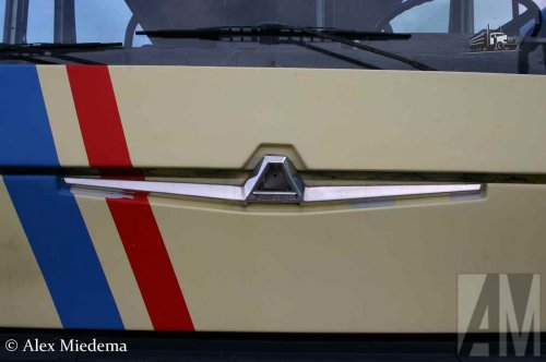 Foto van een Auwarter logo, opgebouwd voor personenvervoer.. Geplaatst door Alex Miedema op 25-01-2016 om 09:47:53, met 2 reacties.