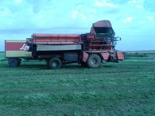 BCMH Erwtendorser van tractortje