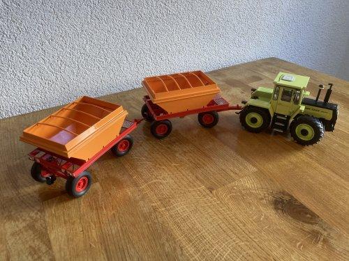 Foto van een Beco Graanwagen.   Vandaag een stukje jeugdsentiment in het klein opgehaald. Super mooi gemaakt door mede TF'er Siete de Jong. Deze combinaties reden vroeger door Flevoland in de tijd van de RIJP.