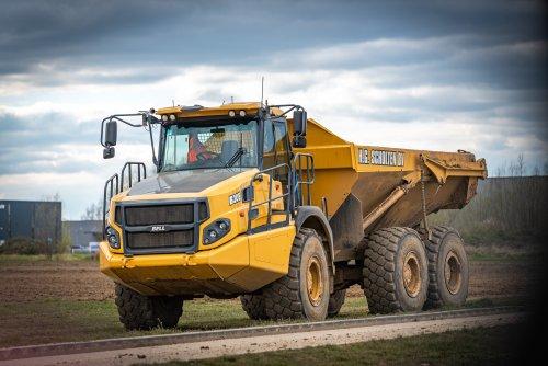 Foto van een Bell B30E. Geplaatst door deerefan op 01-04-2020 om 19:27:25, op TractorFan.nl - de nummer 1 tractor foto website.