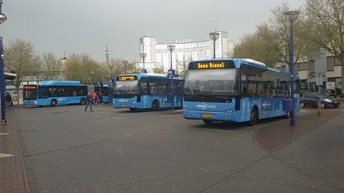 Foto van een Berkhof lijnbus, opgebouwd voor personenvervoer.. Geplaatst door Hurli356 op 01-05-2015 om 15:01:08, met 2 reacties.