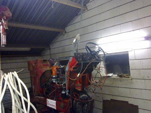 Foto van een BLOOPERS As door midden, bezig met tractorpulling.. Geplaatst door DeKreemp op 07-12-2010 om 20:28:37, met 3 reacties.