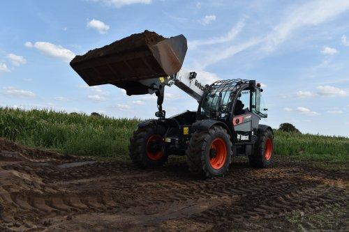 Foto van een Bobcat Verreiker. Geplaatst door jordi 1455 op 03-11-2019 om 18:14:48, op TractorFan.nl - de nummer 1 tractor foto website.