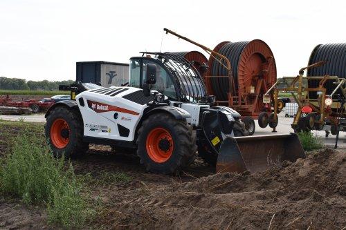 Foto van een Bobcat Verreiker. Geplaatst door jordi 1455 op 07-11-2019 om 17:58:58, op TractorFan.nl - de nummer 1 tractor foto website.