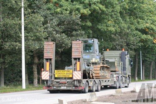 Foto van een Broshuis oplegger, opgebouwd voor speciaal transport.. Geplaatst door Alex Miedema op 22-12-2014 om 12:53:22, op TractorFan.nl - de nummer 1 tractor foto website.