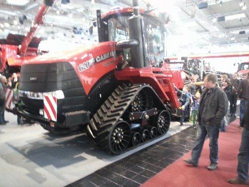 Foto van een Case IH Quadtrac 620. Geplaatst door jans-eising op 09-12-2016 om 11:23:38, op TractorFan.nl - de nummer 1 tractor foto website.