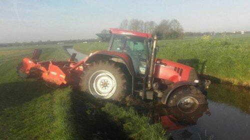 Foto van een BLOOPERS Ongeluk. Geplaatst door jans-eising op 20-05-2017 om 17:33:13, op TractorFan.nl - de nummer 1 tractor foto website.