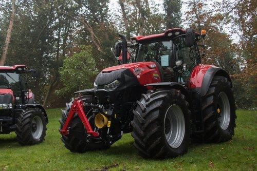 65 jaar agrarische schouw Joure. Geplaatst door jd6100 op 01-10-2017 om 10:31:31, op TractorFan.nl - de nummer 1 tractor foto website.