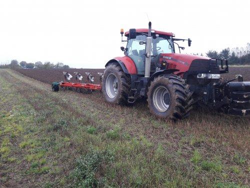 ploegen in Denemarken. Geplaatst door BradBoschker op 14-12-2017 om 14:43:17, op TractorFan.nl - de nummer 1 tractor foto website.