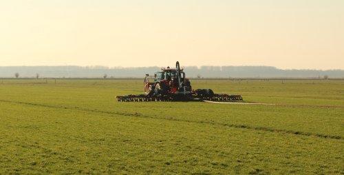 Foto van een Case IH CVX 150 aan het sleepslangen. Geplaatst door arjen-stronkhorst op 19-03-2019 om 16:17:07, op TractorFan.nl - de nummer 1 tractor foto website.