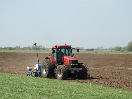 Case IH Maxxum MX 135. Geplaatst door ertlerik op 25-04-2019 om 08:19:48, op TractorFan.nl - de nummer 1 tractor foto website.