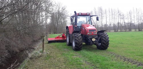 Foto van een Case IH CS 110 met Tehnos klepelmaaier. Geplaatst door Steyr.frl op 23-04-2021 om 23:12:18, op TractorFan.nl - de nummer 1 tractor foto website.