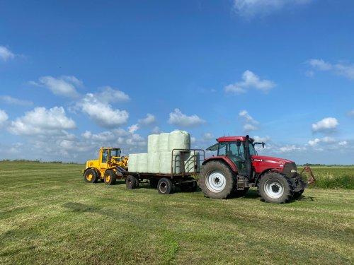 Vanochtend gemaaid, voor 16:00 in de balen. Prachtig spul.. Geplaatst door sybren op 09-07-2021 om 20:25:17, op TractorFan.nl - de nummer 1 tractor foto website.