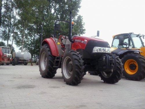Deze prachtige Case IH Farmall 65C staat te koop bij Mechanisatiebedrijf Evenhuis te Giethoorn.   Voor meer info bekijk de site even: http://www.evenhuis.nl/793/Home