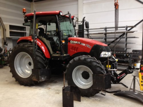 Picture Case IH Farmall 75A