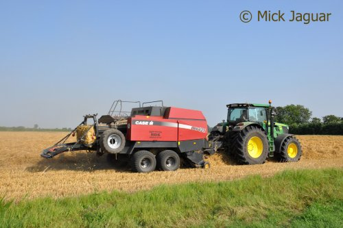 Picture Case IH LBX 421