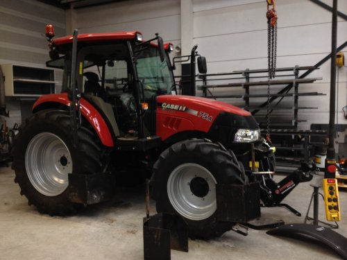 Case IH Farmall 75A van fendt280v