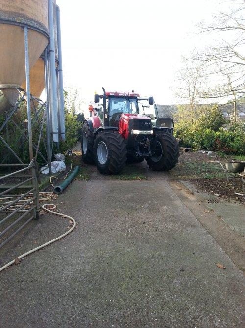 Foto van een Case IH Puma 230 CVX, bezig met poseren. Geplaatst door casepumacvx225 op 21-04-2014 om 19:48:34, op TractorFan.nl - de nummer 1 tractor foto website.
