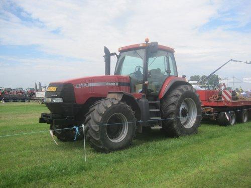 Foto van een Case IH MX 200 Magnum, bezig met poseren.. Geplaatst door jordi 1455 op 14-06-2014 om 22:20:32, op TractorFan.nl - de nummer 1 tractor foto website.