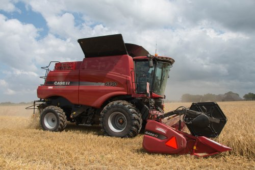 Case IH Axial Flow 6130 van jd6100