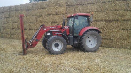 Foto van een Case IH Maxxum 115 Pro van Dijkstra VOF.. Geplaatst door johndeerefavo op 27-10-2015 om 22:45:02, op TractorFan.nl - de nummer 1 tractor foto website.