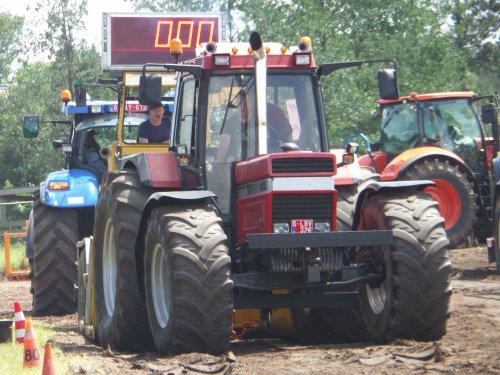 10/07/2016: Klaar voor de start? AF!  Case International 1455, Trekkertrek Poppel(BE) 2016. Geplaatst door JD6930 op 10-01-2017 om 22:32:52, op TractorFan.nl - de nummer 1 tractor foto website.