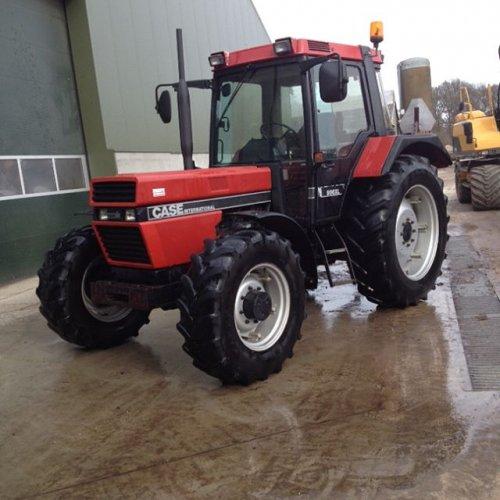 Foto van een Case International 956 XL. Geplaatst door Gerwin 1455 op 08-03-2017 om 14:00:57, op TractorFan.nl - de nummer 1 tractor foto website.
