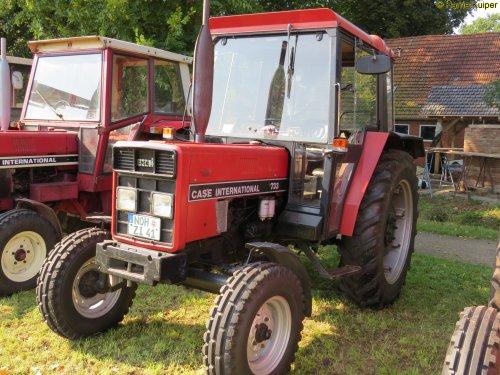 Foto van een Case International 733 , Wilsum dld 24-07-2017. Geplaatst door oldtimergek op 03-10-2017 om 19:04:48, op TractorFan.nl - de nummer 1 tractor foto website.