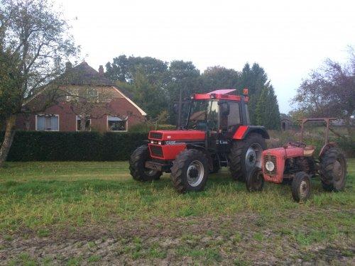 Foto van een Case International 956 XL, samen met onze andere trekker een massey ferugson 35. Geplaatst door Gerwin 1455 op 08-12-2017 om 17:06:31, op TractorFan.nl - de nummer 1 tractor foto website.