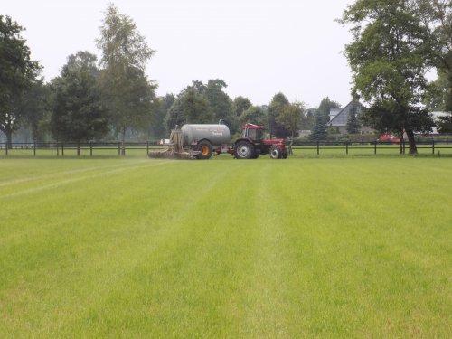 Draaien op de kopakker en door!. Geplaatst door Han745XL op 09-08-2018 om 21:28:51, op TractorFan.nl - de nummer 1 tractor foto website.